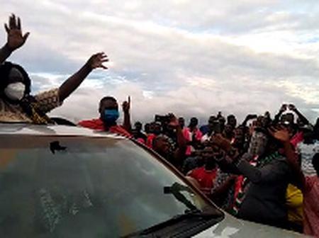 Kanjaga SHS students mob, block Prof. Opoku-Agyeman's entourage
