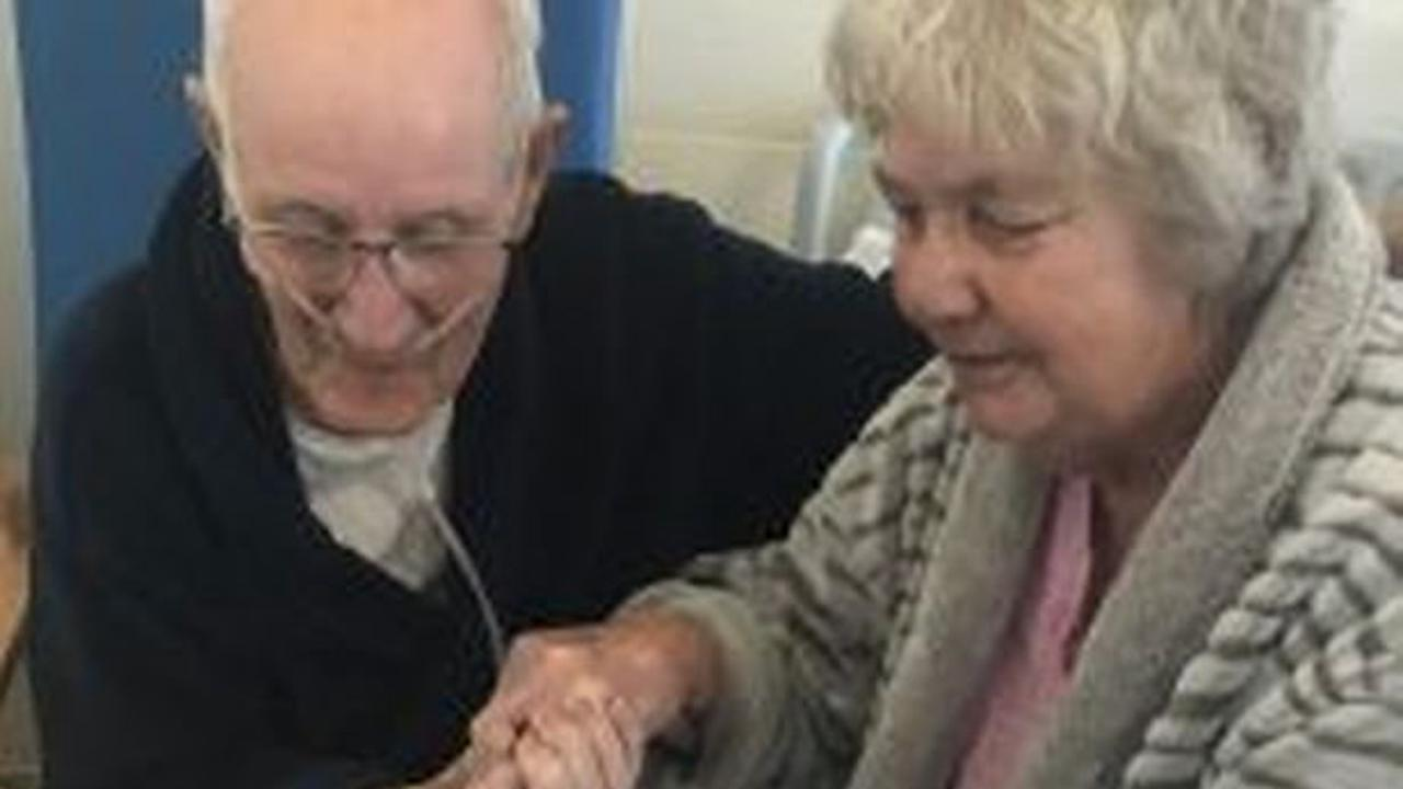 RAF couple celebrate 59 year anniversary together on a covid ward