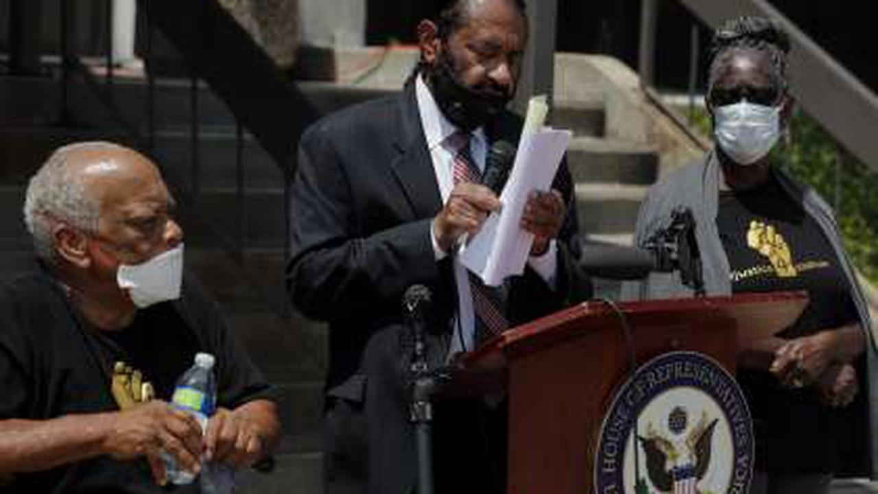 Rep. Al Green announces release of 'new video evidence' in deadly officer-involved shooting